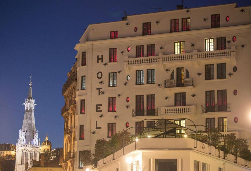 csm_college-hotel-lyon-ext-nuit-05_c4f9e28619