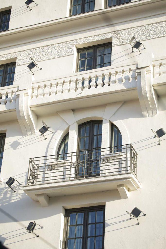 csm_college-hotel-lyon-facade-pablo-reinoso-les-chaises-details-01-jpg_0d1d4a2cd4